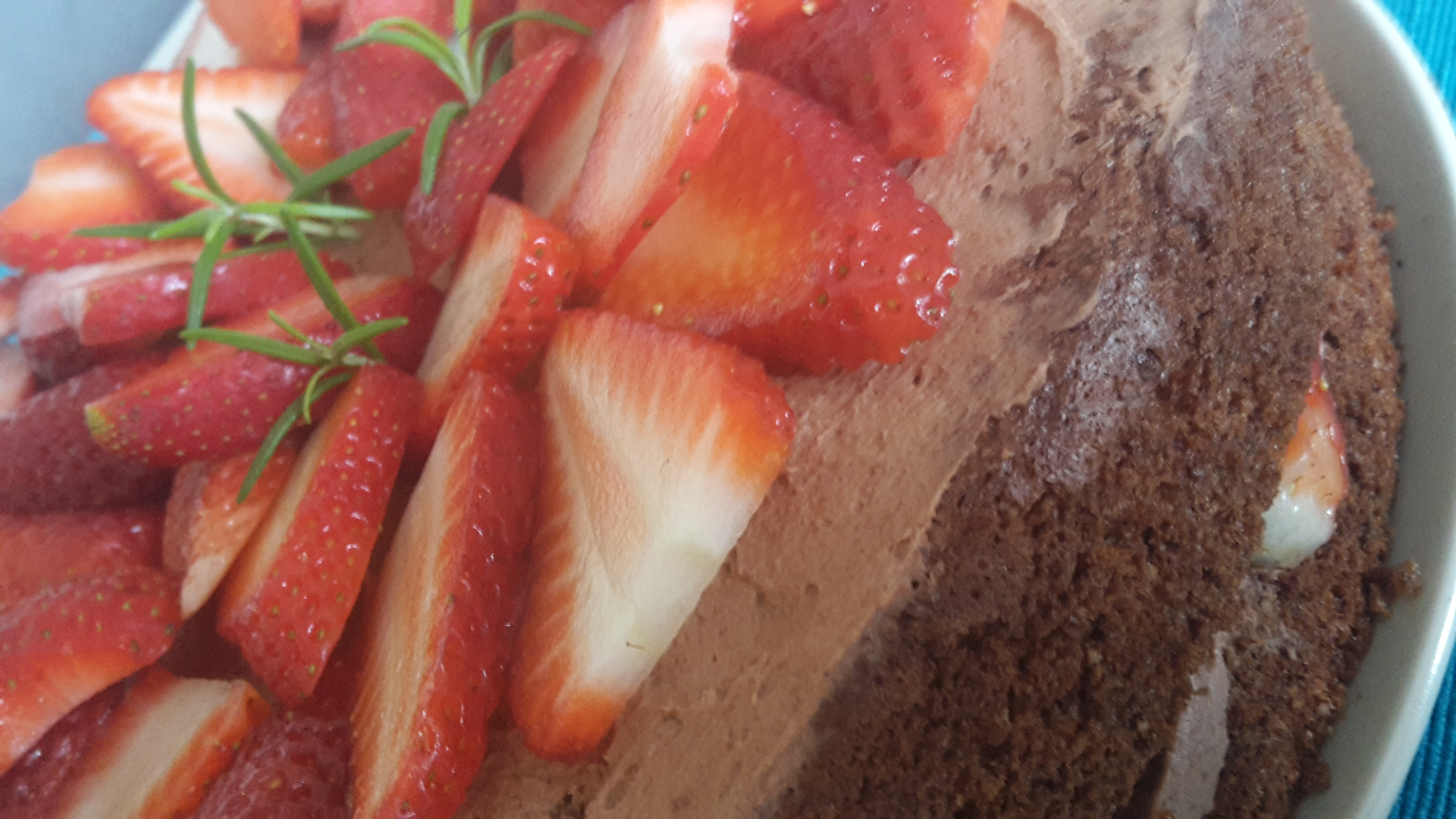 Owocowy niby torcik z rozmarynem