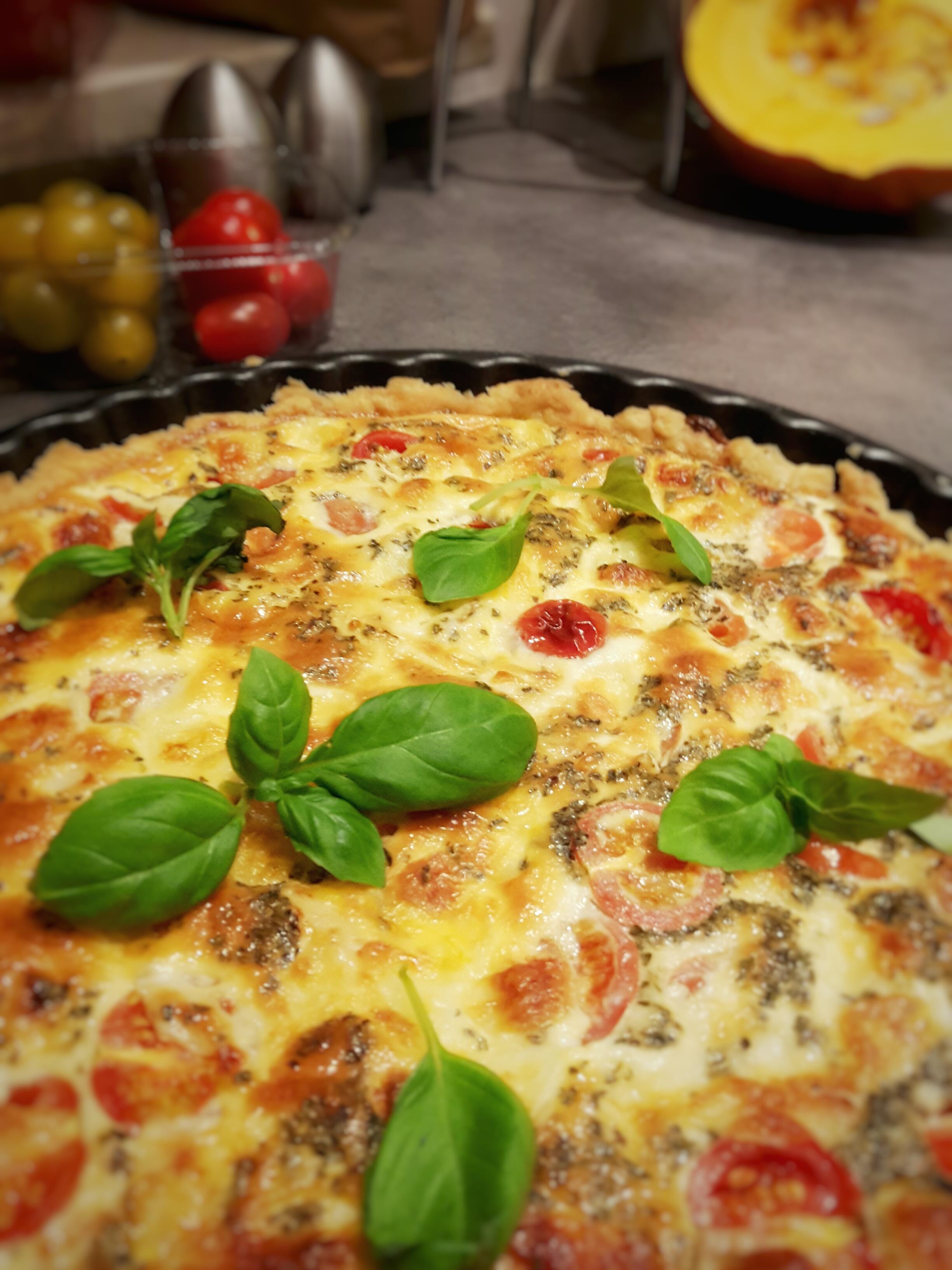 Tarta ze świeżymi pomidorami