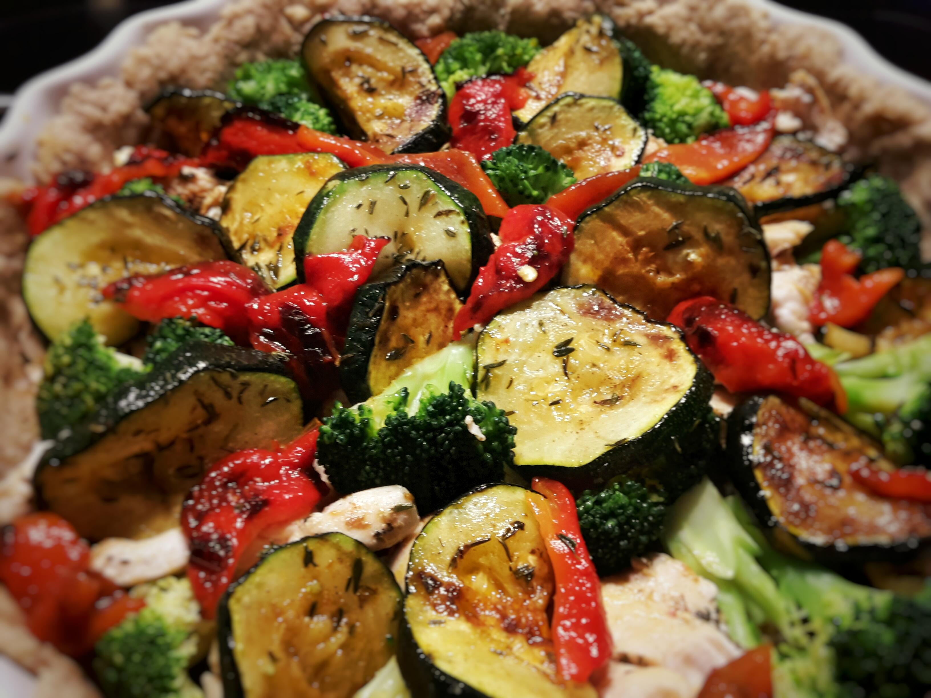 Słoneczna tarta – z kurczakiem i warzywami