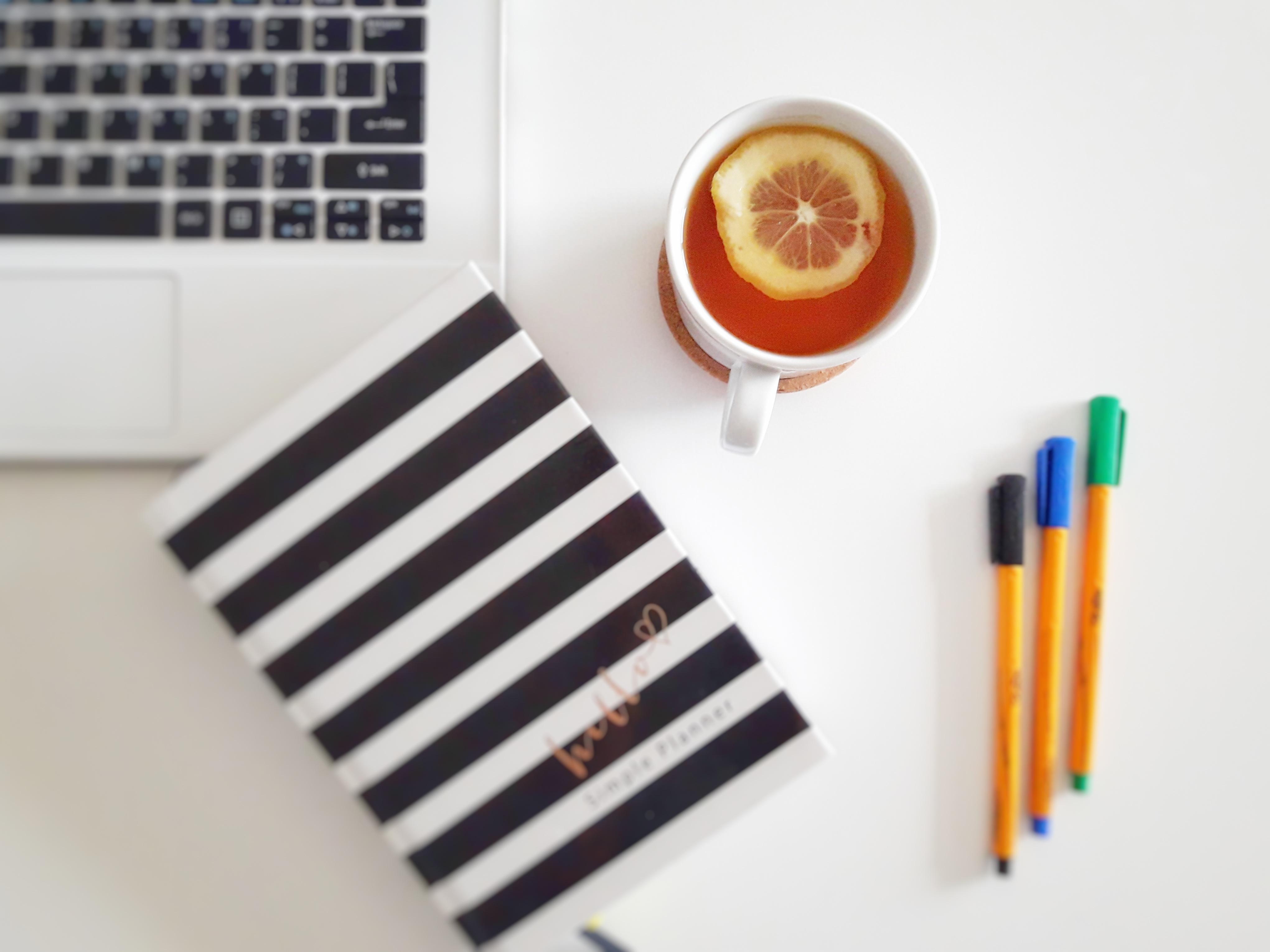 Płynny poranek – czyli 7 rzeczy które warto zrobić przed snem