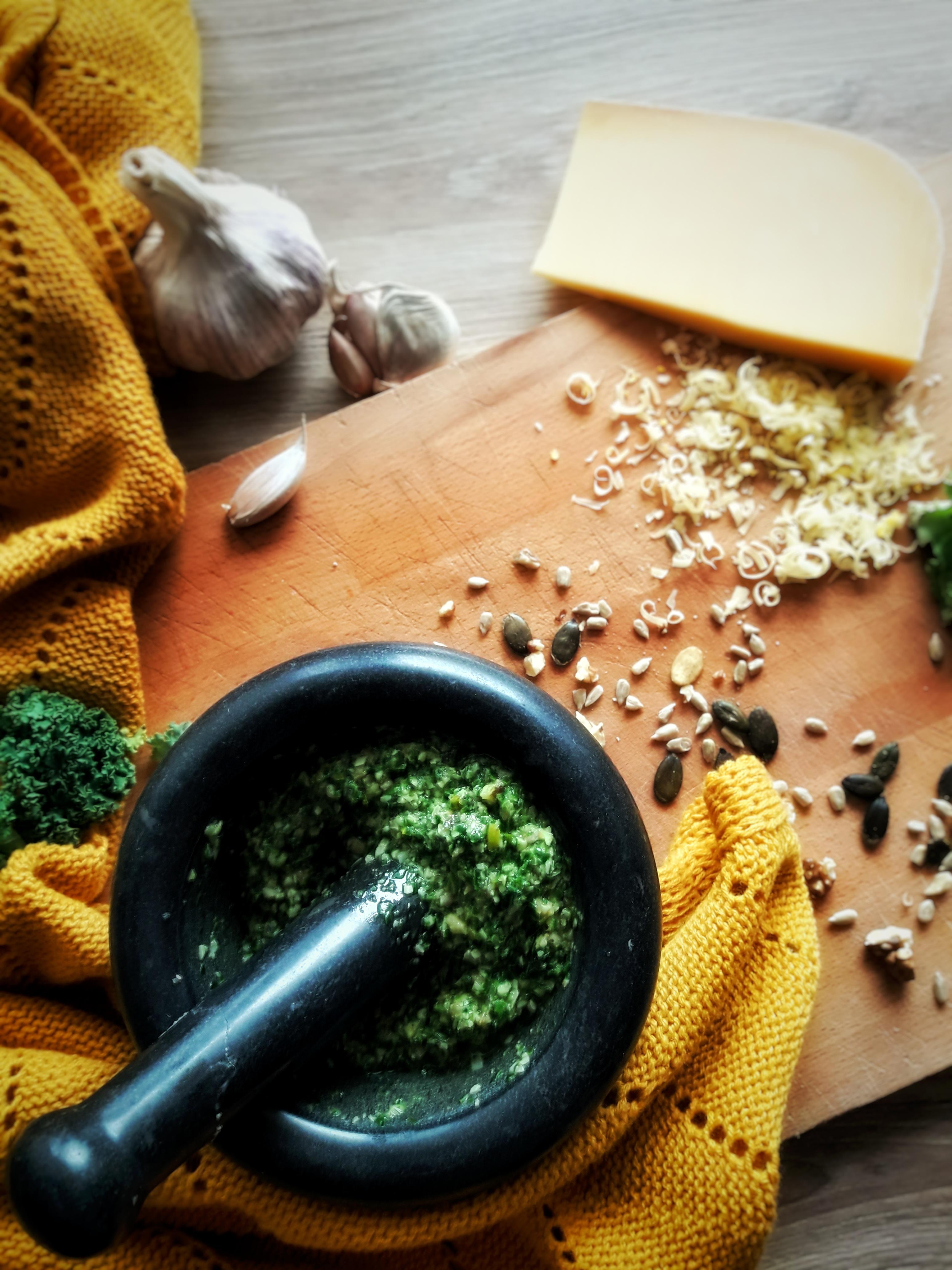 Pesto z jarmużu idealne do jesiennych dań