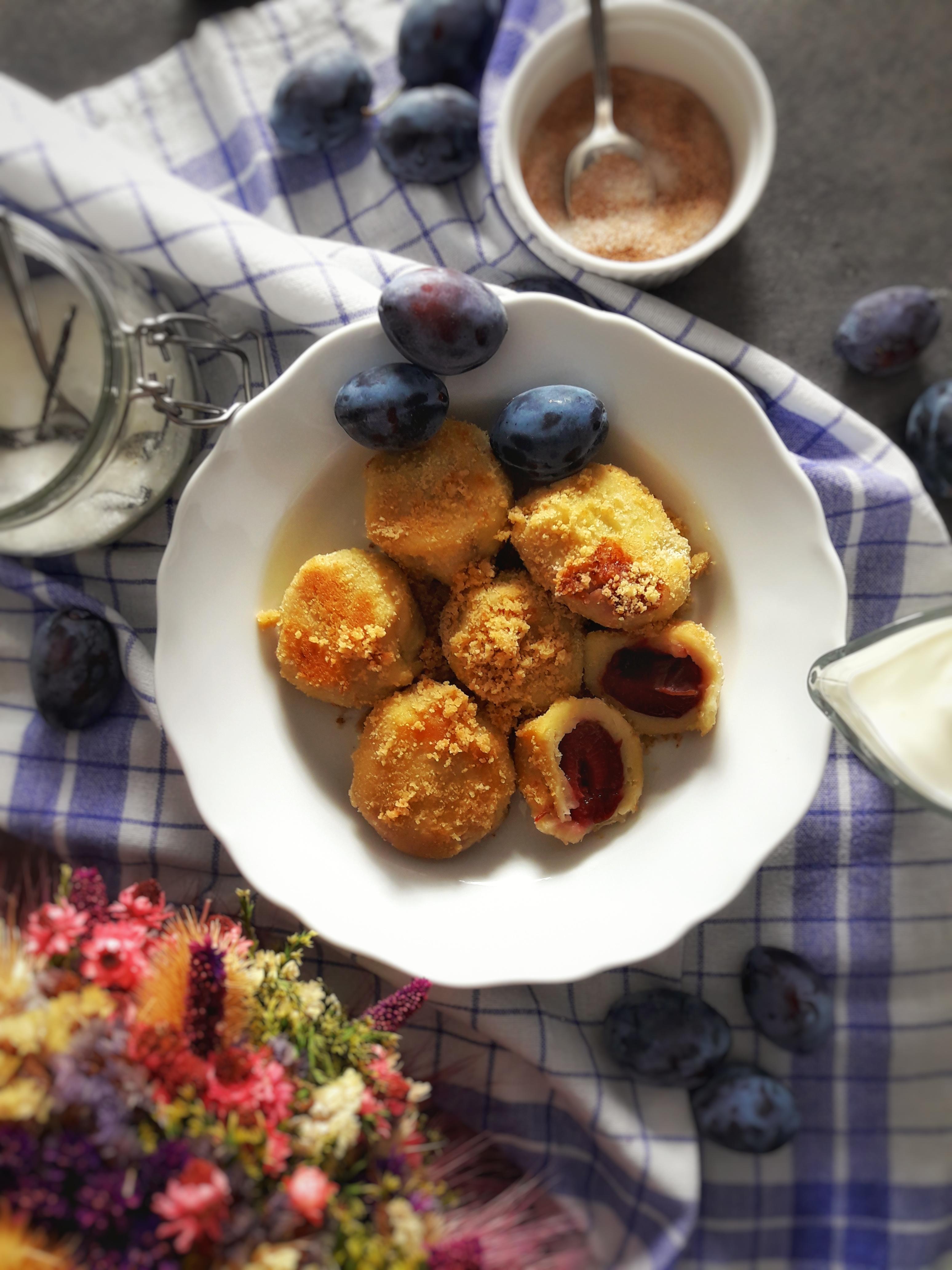 Knedle ze śliwkami – czyli jesienny must have na talerzu
